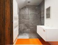 ตกแต่งห้องน้ำสีส้มขาว