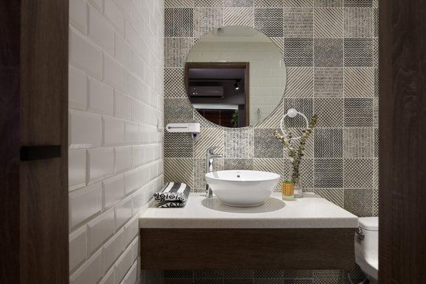 ห้องน้ำตกแต่งกระเบื้องเฉดสีเทา
