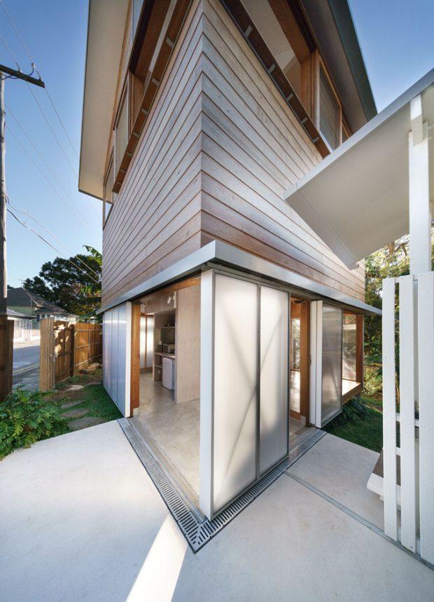 บ้านไม้ 3 ชั้นร่วมสมัย