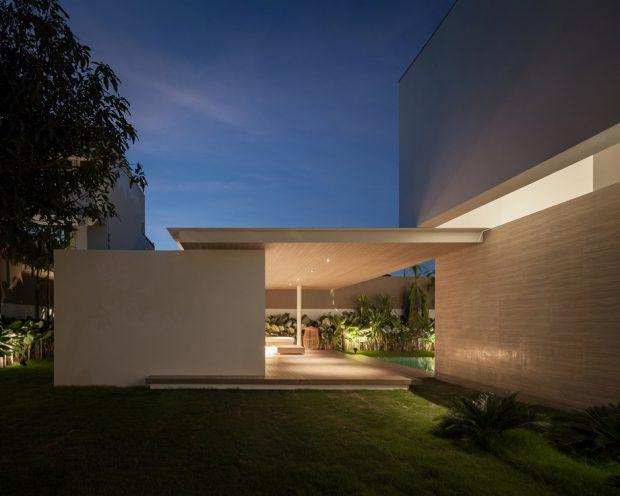 บ้านโมเดิร์นสวยด้วยแสงไฟ