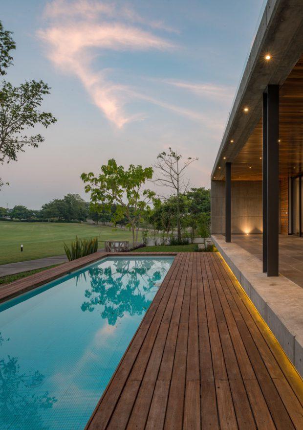 บ้านเปิดออกเชื่อมต่อสระว่ายน้ำ