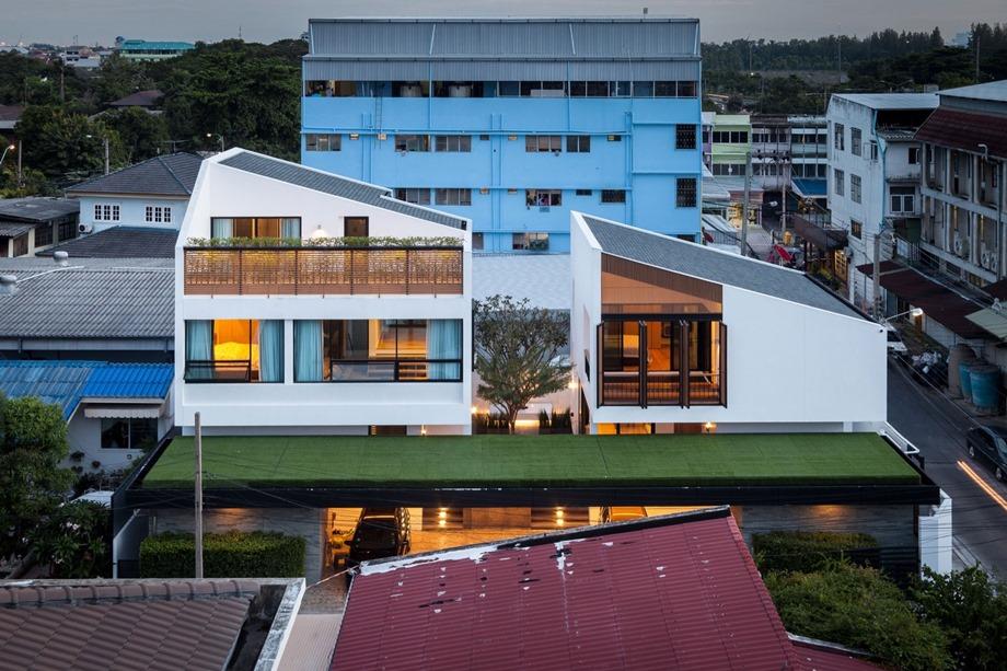 twin-house