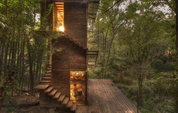 บ้านไม้กลางธรรมชาติ