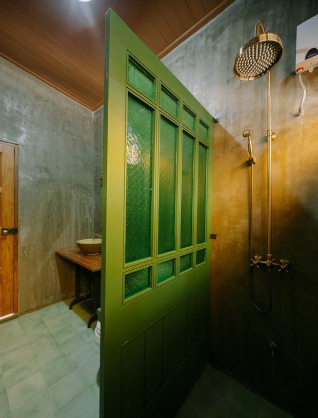 ฉากกั้นกระจกสีเขียว