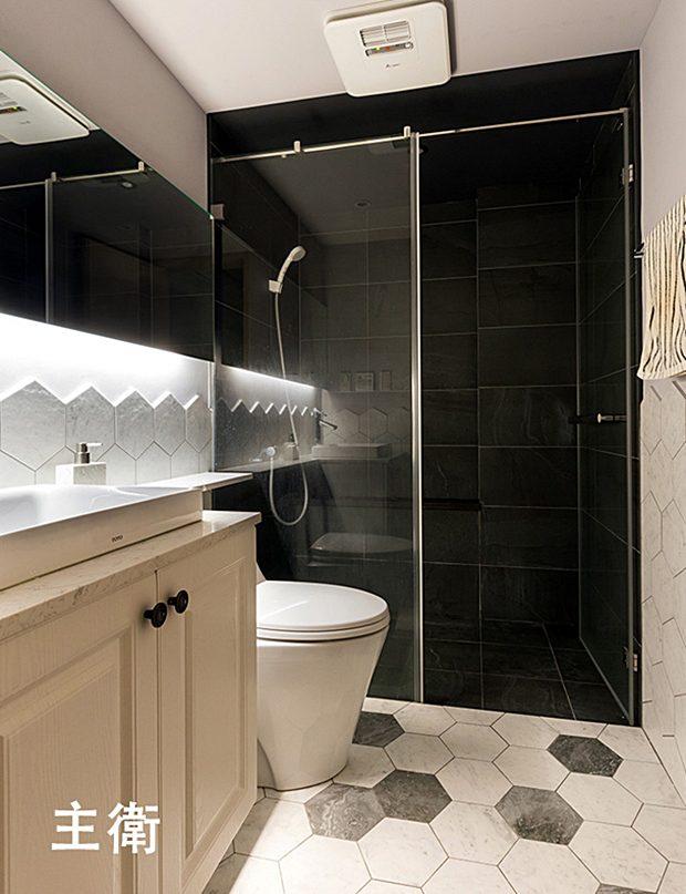 ห้องน้ำโทนสีดำขาว