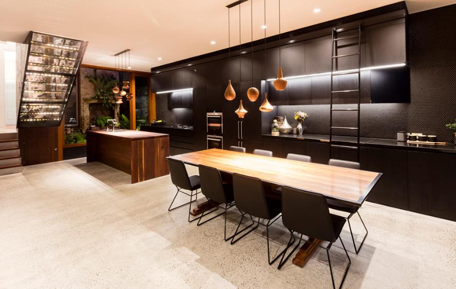 ครัวและห้องทานอาหารโทนสีดำ