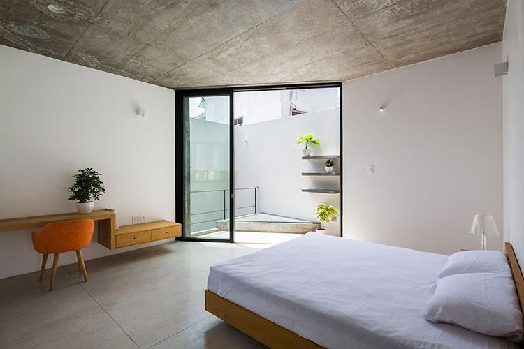 ห้องนอนเปิดออกสู่สวน