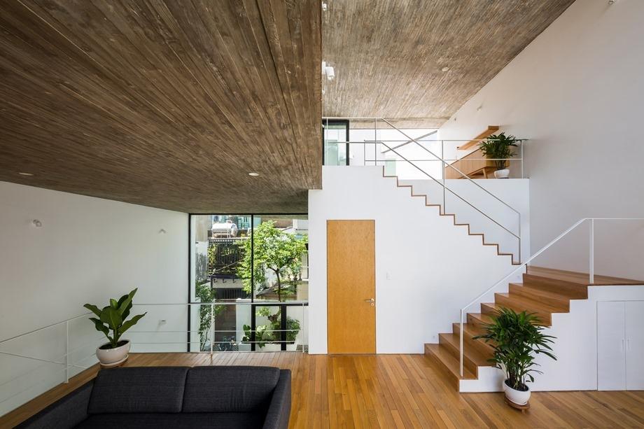 บันไดเชื่อมต่อชั้นต่าง ๆ ในบ้าน