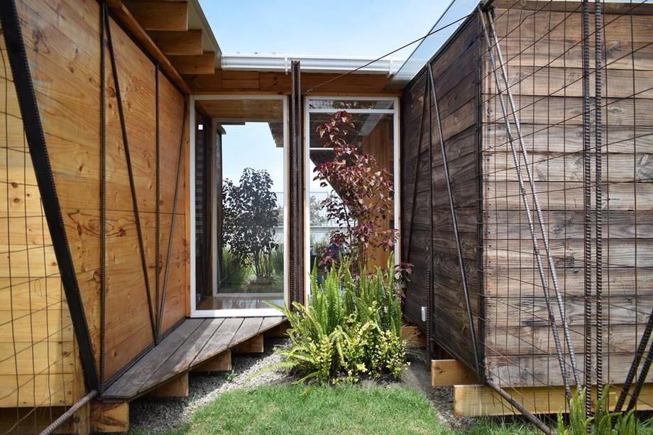 ช่องว่างสร้างสวนเล็ก ๆ ในบ้าน