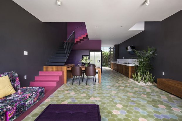 บ้านแห่งสีสันและรูปทรง