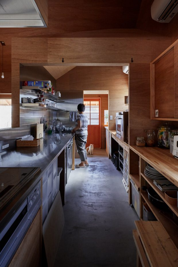พื้นขัดมันในห้องครัว