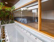 หน้าต่างเปิดออกเชื่อมมุมนอนเล่นเชือกถัก