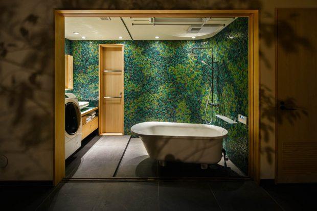 ห้องอาบน้ำกระเบื้องโทนธรรมชาติ