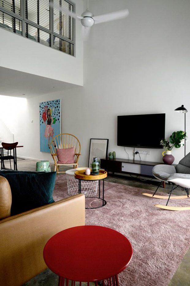 ห้องนั่งเล่นสีสันสดใส