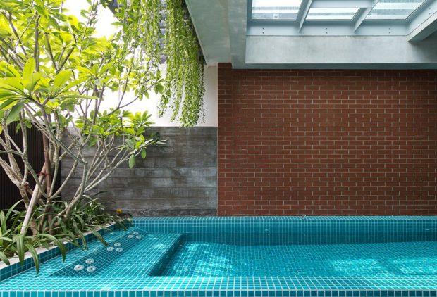 สะรว่ายน้ำในตัวบ้าน
