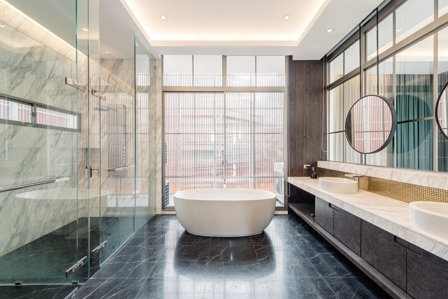 ห้องอาบน้ำผนังกระจก