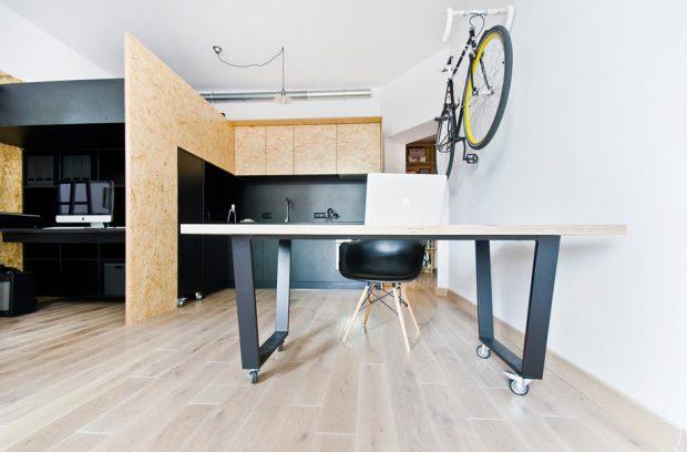 โต๊ะทำงานดึงและเก็บได้