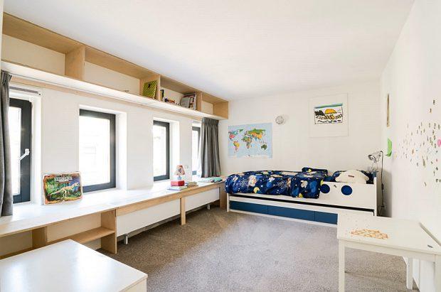 ห้องนอนเด็กที่ปรับจากห้องพักครู
