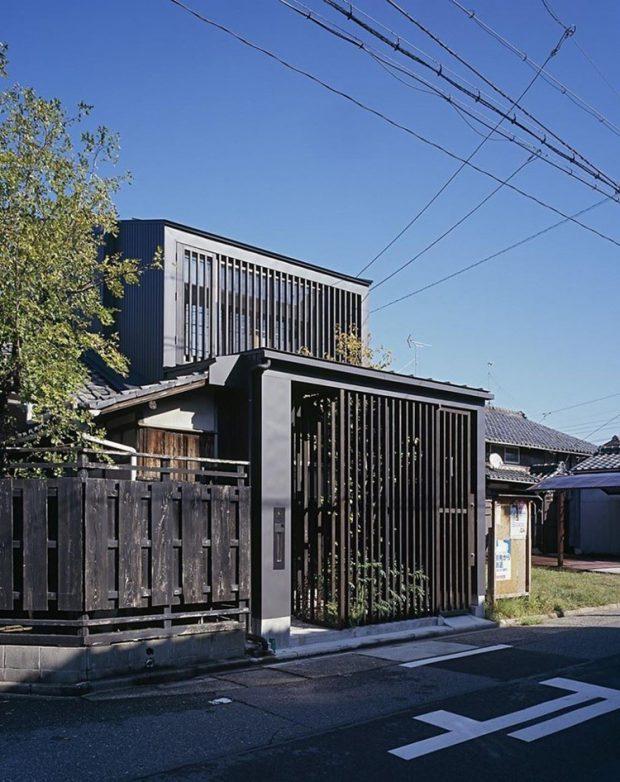 บ้านเหล็กสีดำ