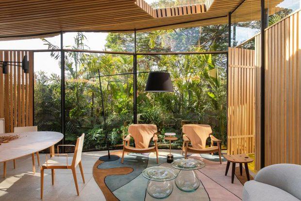 บ้านผนังกระจกเชื่อมธรรมชาติ
