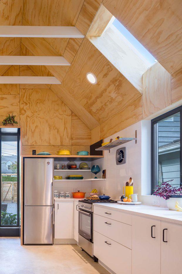 ช่องแสงสกายไลท์ในครัว