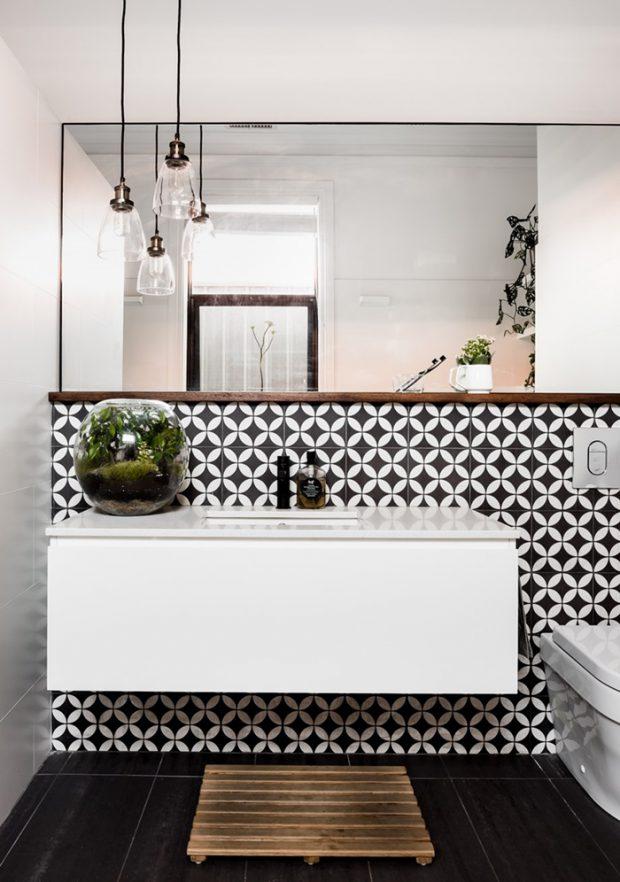 กระเบื้องห้องน้ำสีขาว-ดำ