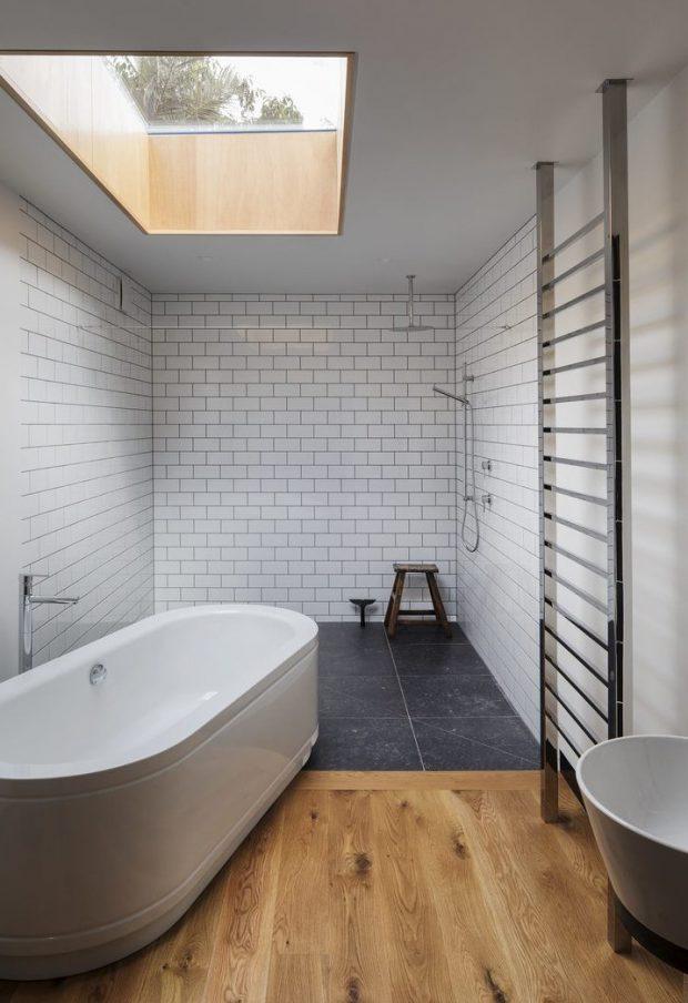 ช่องแสงสกายไลท์ในห้องน้ำ