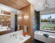 ตกแต่งห้องน้ำด้วยไม้และกระจก
