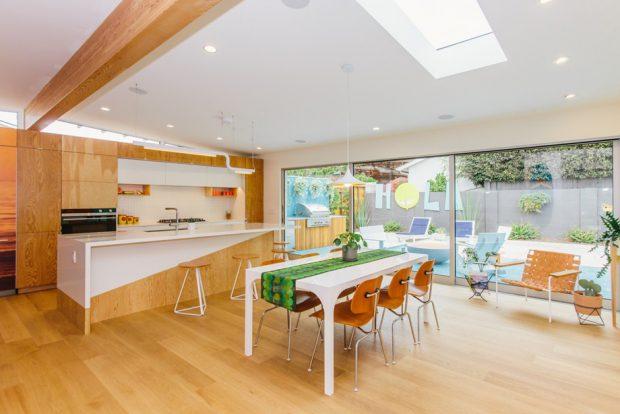 ครัวและห้องทานอาหารติด skylight