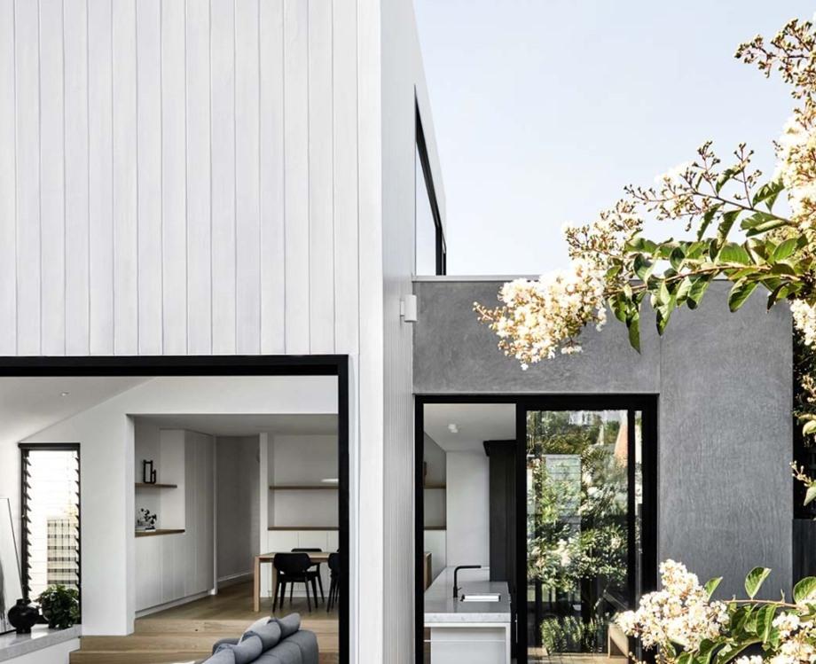 บ้านโมเดิร์นโทนสีขาวเทาดำ