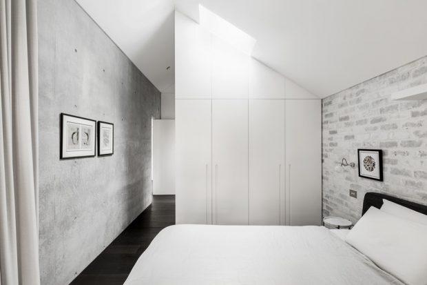 ห้องนอนหลังคาติด skylight