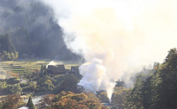 ไฟไหม้ หมู่บ้านมรดกโลก ญี่ปุ่น