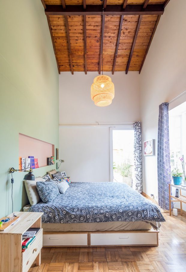 ห้องนอนเพดานสูง