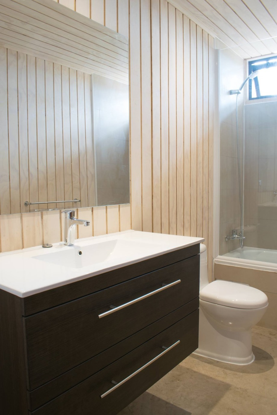 ห้องน้ำตกแต่งวัสดุลายไม้