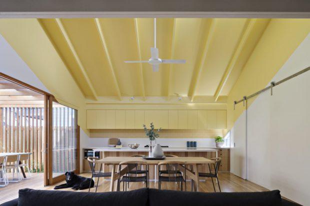 เพดานทาสีเหลือง