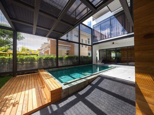 สระว่ายน้ำภายในบ้าน