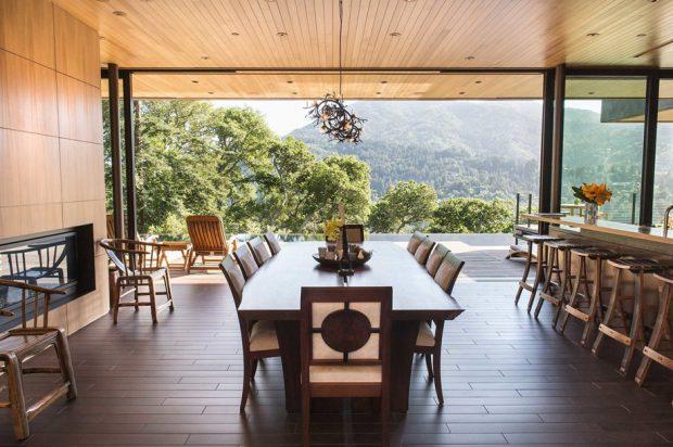 ห้องทานอาหารวิวภูเขา