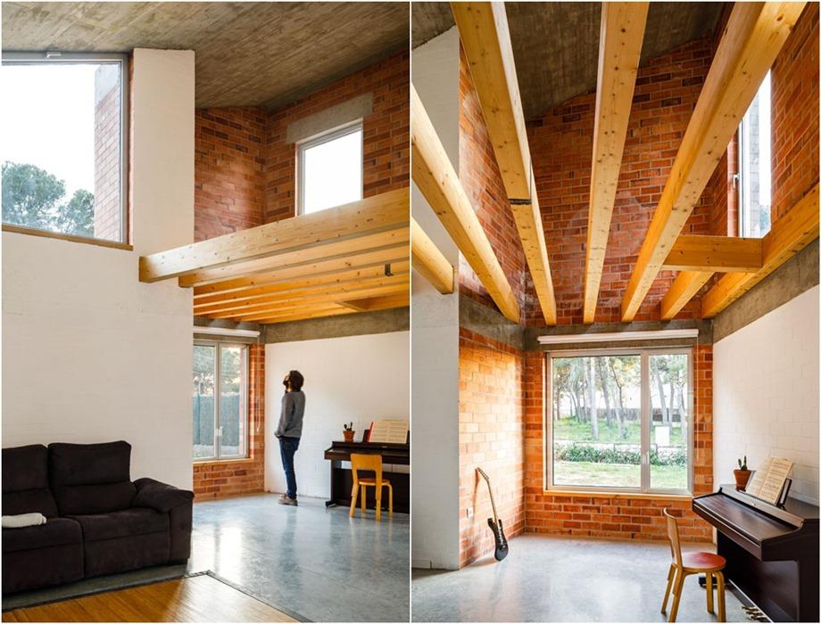 โชว์คานไม้ใหญ่ ๆ บนเพดาน
