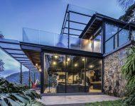บ้านโครงสร้างเหล็กผนังกระจก