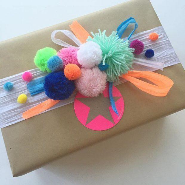 ตกแต่งกล่องของขวัญด้วยปอมปอมไหมพรม