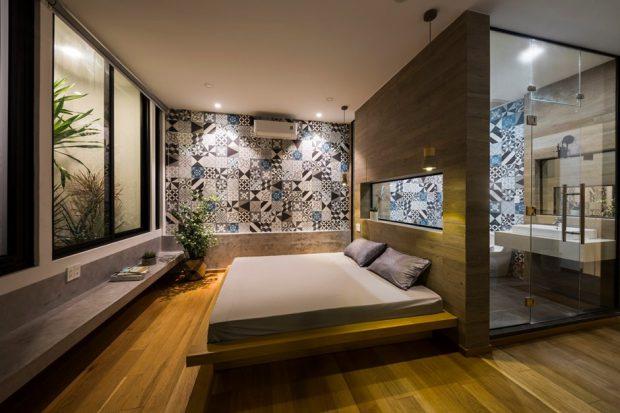 ห้องนอนตกแต่งไม้และกระเบื้อง