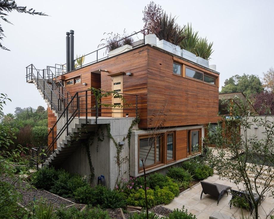 บ้านไม้กับคอนกรีต