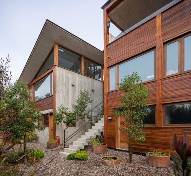 บ้านไม้กับคอนกรีตใส่กระจก