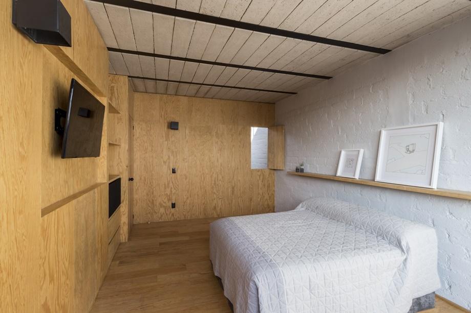 ตกแต่งห้องนอนด้วยไม้อัด