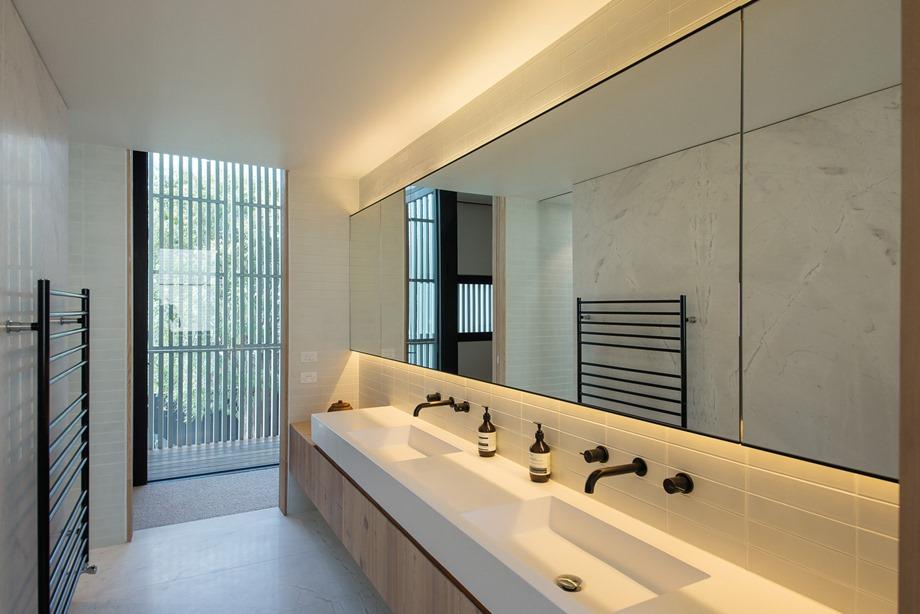 แสงไฟสวย ๆ ในห้องน้ำ