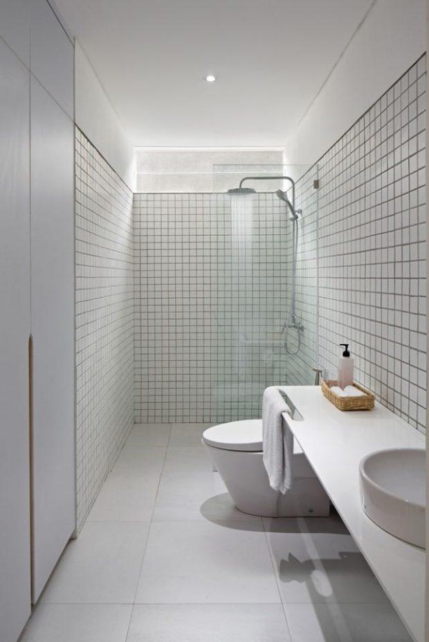 ห้องน้ำแต่งกระเบื้องยาแนวสีดำ