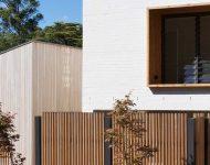 รั้วไม้ระแนงกรอบหน้าต่างไม้