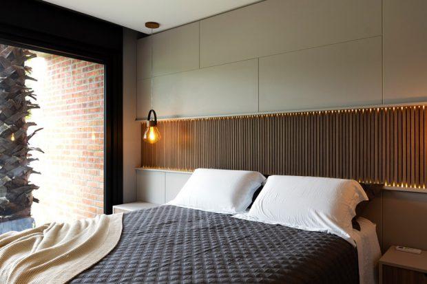 ห้องนอนตกแต่งไม้ระแนง