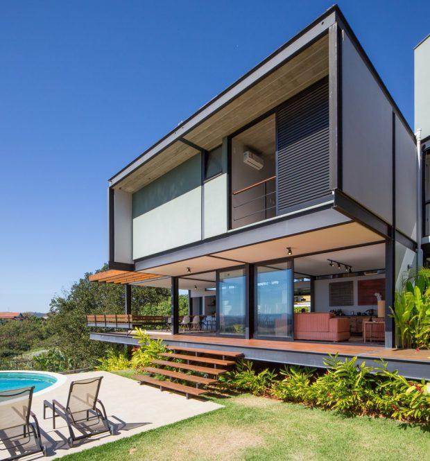 บ้านสองชั้นโครงสร้างเหล็กผนังกระจก
