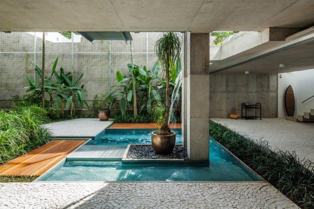 สวนน้ำในบ้านทรอปิคอล